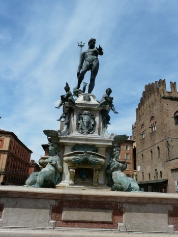 the-fountain-of-neptune-740385_960_720.jpg