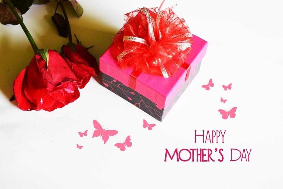 Consigli regali per la festa della mamma