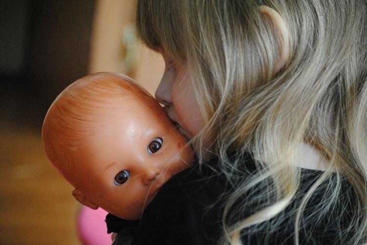 bimba e bambola.jpg