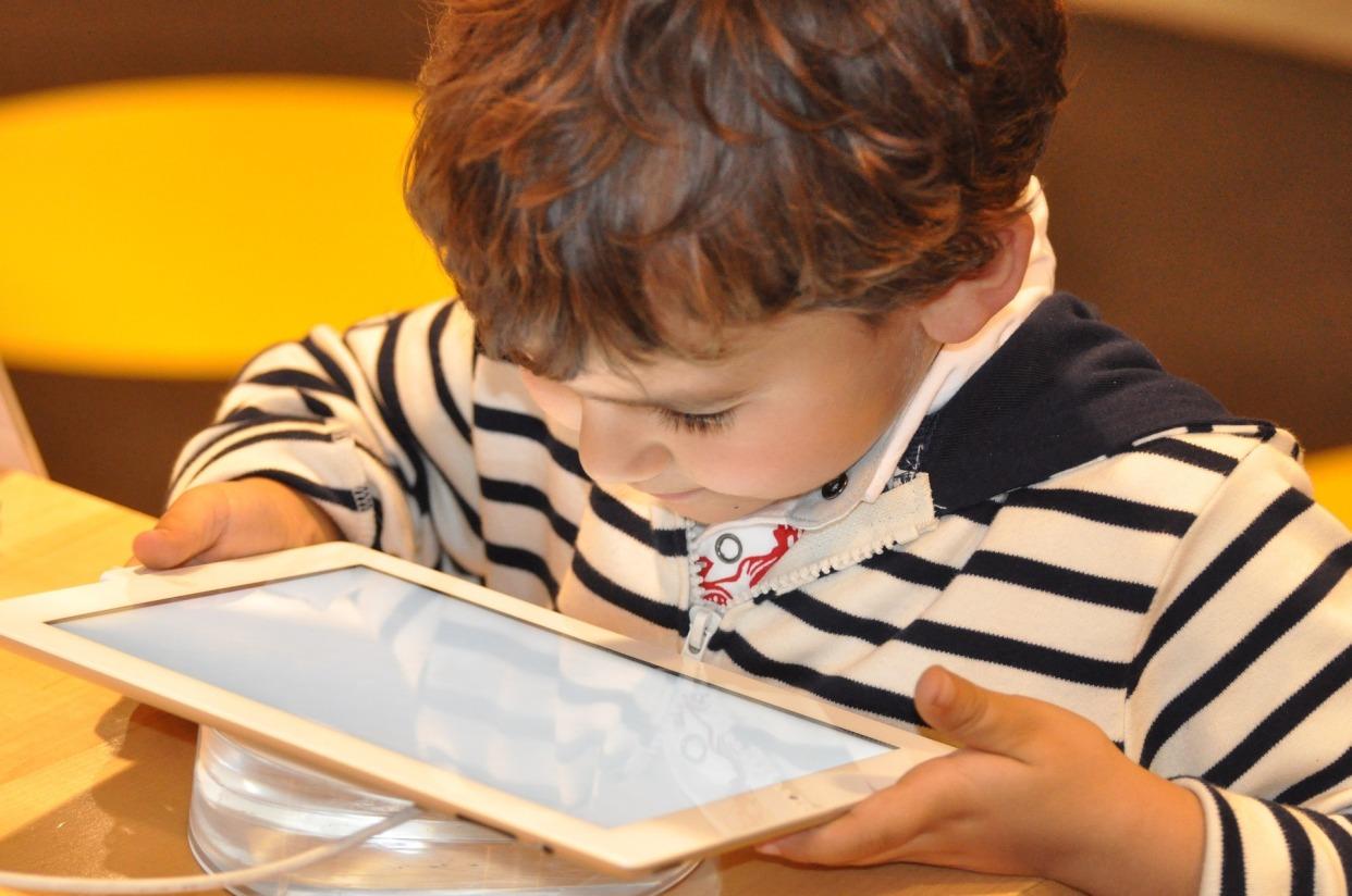 tecnologia e figli.jpg