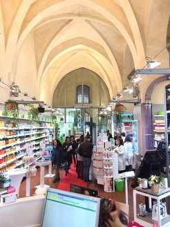 Farmacia Lloyds Piazza Maggiore