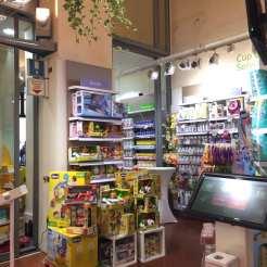 Farmacia Lloyds piazza maggiore ingresso