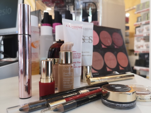 Lloyds Farmacia trucco Clarins Natale make up (18)